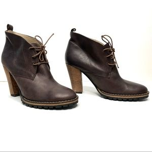 BETTYE MULLER Lugged Sole Leather Ankle Tie Boots